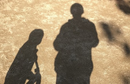 影 親子 砂