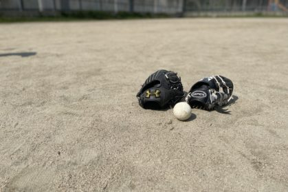 公園で親子野球,清水健
