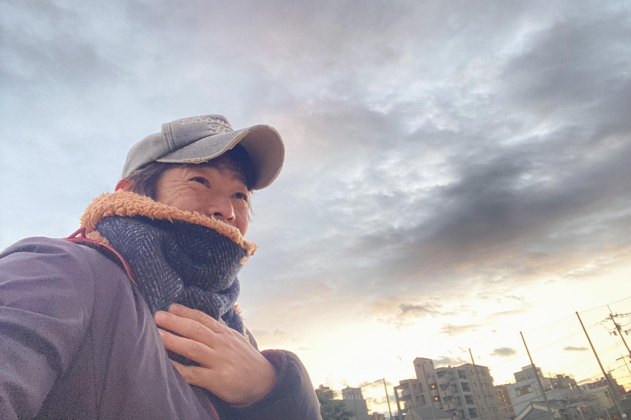 寒空の公園で野球